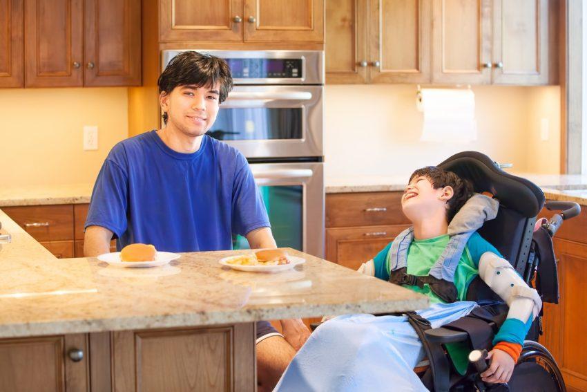 Maison accessible au fauteuil roulant: 7 améliorations simple à mettre en place