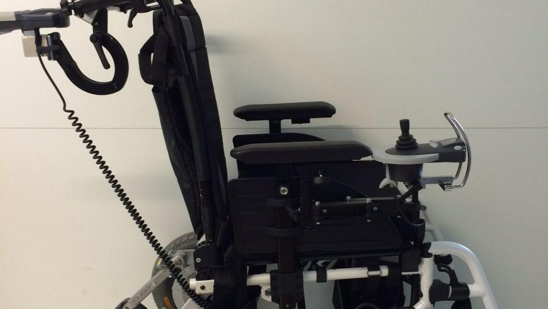 fauteuil roulant lectrique esprit action4 access 39 sant. Black Bedroom Furniture Sets. Home Design Ideas