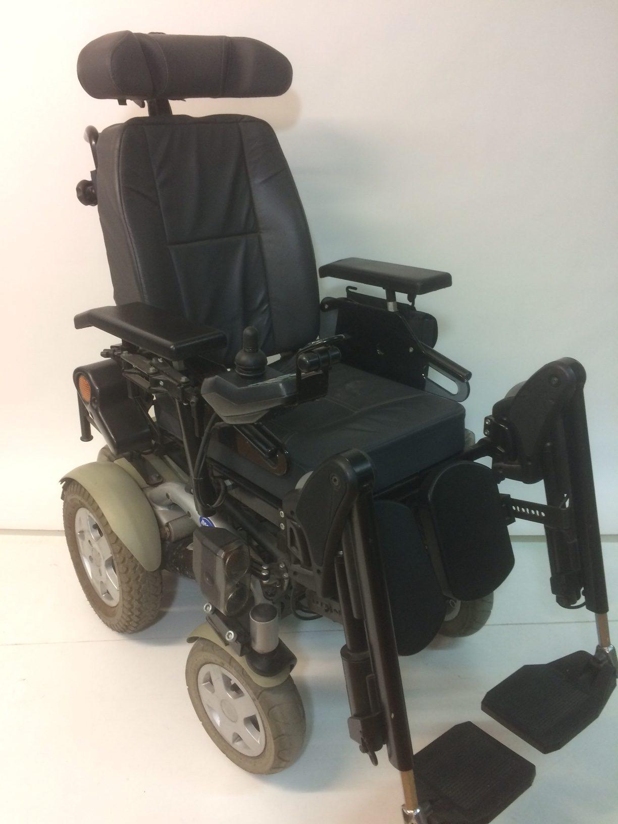 fauteuil roulant lectrique invacare storm 3 access 39 sant. Black Bedroom Furniture Sets. Home Design Ideas